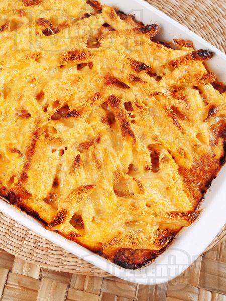 Пастичио - гръцки макарони с кайма, канела, бекон, пармезан, сирене гауда и сос болонезе на фурна - снимка на рецептата
